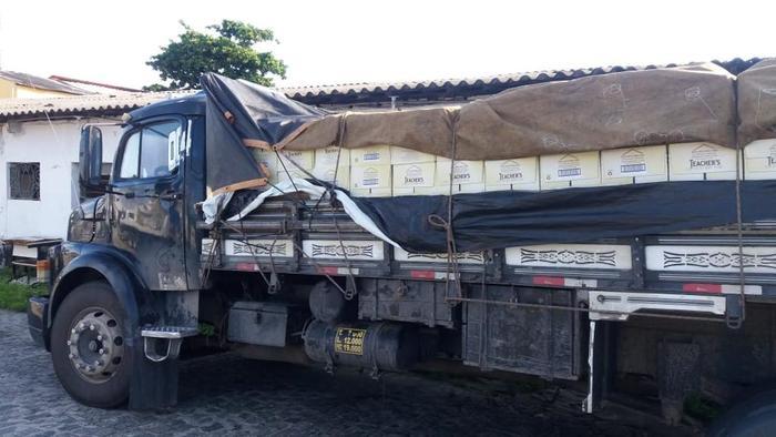Carga apreendida e autuada abastecia um residência no bairro da Iputinga, no Recife. Foto: Sefaz/Divulgação