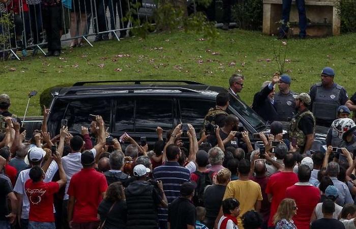 Jardim da Colina pediu que não haja manifestações dos apoiadores do ex-presidente, que tiveram entrada liberada. Foto: Miguel SCHINCARIOL / AFP