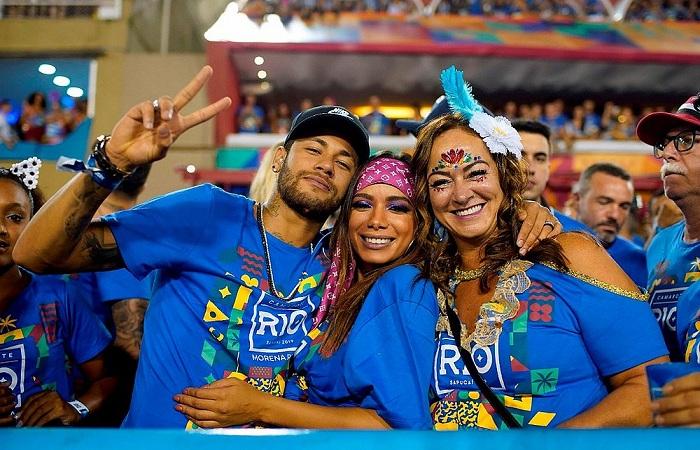 Seguidores afirmaram no Twitter que a cor da boca de Neymar estava com o mesmo tom de batom usado por Anitta. FOTO: AFP  (Seguidores afirmaram no Twitter que a cor da boca de Neymar estava com o mesmo tom de batom usado por Anitta. FOTO: AFP )