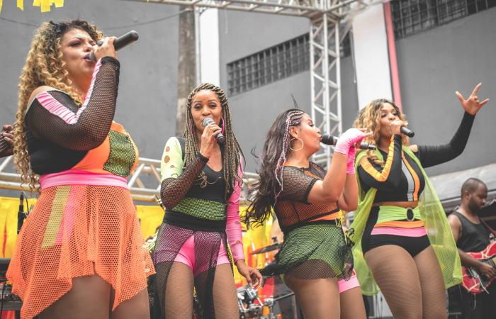 Amigas do Brega brilharam com sucessos do passado. Foto: Thamyres Oliveira/Divulgação