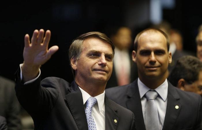 Eduardo Bolsonaro (dir.) é deputado federal pelo PSL de São Paulo (Foto: Agência Câmara)