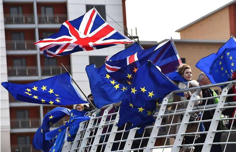 Na semana passada, os deputados britânicos aprovaram uma moção do governo que propõe pedir à UE um adiamento da data do Brexit, que será mais ou menos longo dependendo se o controvertido acordo de Theresa May for adotado ou não. Foto: Andy Buchanan / AFP