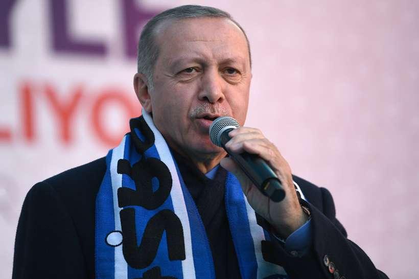 O presidente turco fez as declarações durante um ato eleitoral no qual ele também mostrou imagens do vídeo gravado pelo autor do ataque às duas mesquitas de Christchurch, e afirmou que se a Nova Zelândia não punir o autor do atentado, de nacionalidade australiana, a Turquia o fará. Foto: Ozan Kose/ AFP