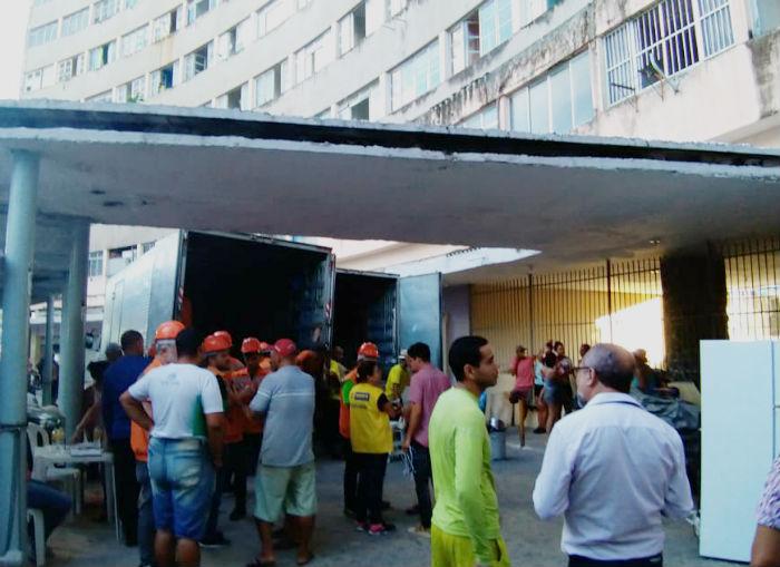 Uma mala deixada no 13º andar despertou as suspeitas, mas estava vazia. Foto: Rosália Vasconcelos / DP