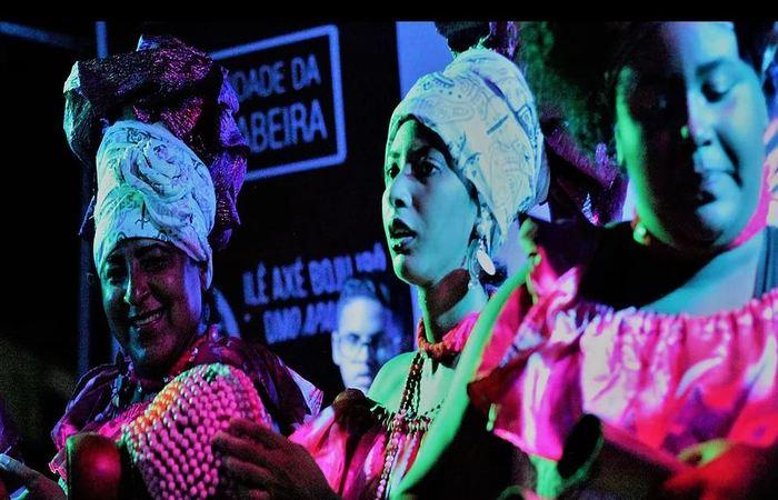 Afoxé Omo Inã em apresentação na comunidade da Mangabeira. Foto: Samuel Calado/DP