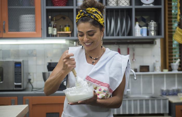 Ju Paes em workshop de confeitaria. Foto: Raquel Cunha/Globo