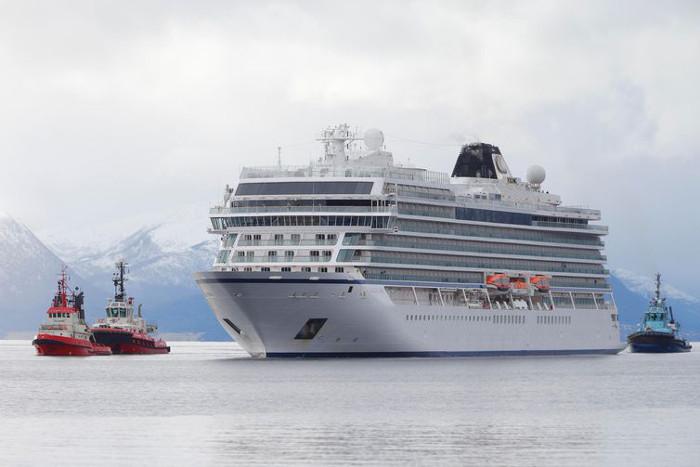 O Viking Sky levava 915 passageiros e enfrentou fortes ventos na costa da Noruega  (Divulgação Reuters / Direitos reservados)