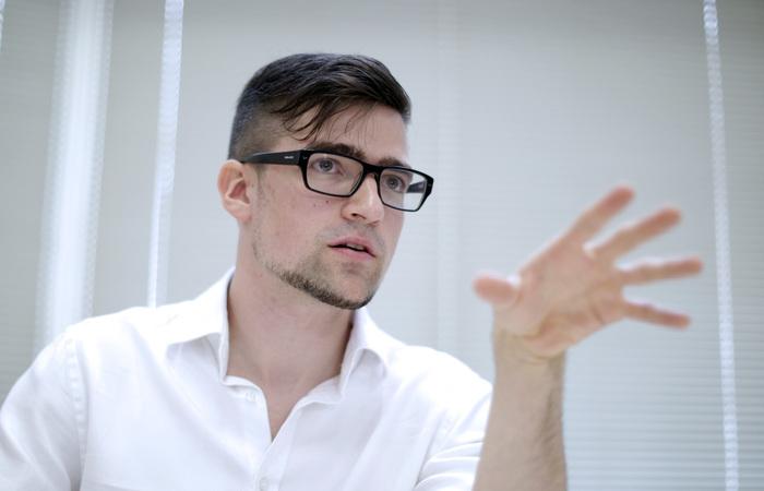 A residência de Martin Sellner, cofundador do Movimento Identitário Austríaco (IBO), de 30 anos, foi revistada na segunda-feira à noite no âmbito da investigação. Foto: GEORG HOCHMUTH / APA / AFP