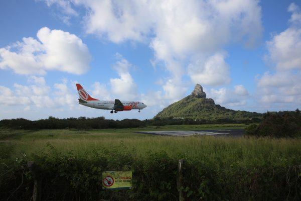 O Aeroporto Governador Carlos Wilson, localizado na ilha, ganhará nova iluminação. Crédito: Teresa Maia / Arquivo DP