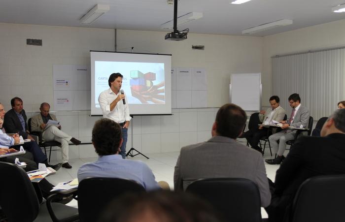 Debate apontou fragilidades e oportunidades do Estado em logística e inovação. Foto: Divulgação
