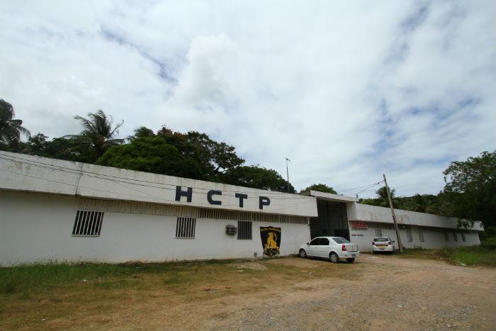 Depois de passar pelo Cotel, suspeito foi encaminhado ao HCTP. Foto: Peu Ricardo/DP.
