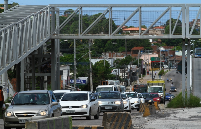 Condições precárias da via complicam o trânsito na localidade.  Foto: Peu Ricardo/DP. (Condições precárias da via complicam o trânsito na localidade.  Foto: Peu Ricardo/DP.)