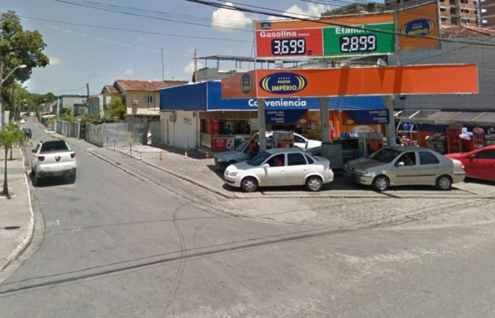 Na foto, a rua André Dias Figueiredo, onde ocorreu o assalto. Foto: Reprodução/Google Street View. (Na foto, a rua André Dias Figueiredo, onde ocorreu o assalto. Foto: Reprodução/Google Street View.)