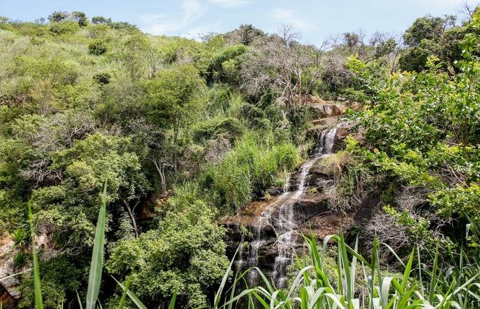 Plano geral da terceira e mais alta cachoeira. Foto: Chico Andrade/SeturPE