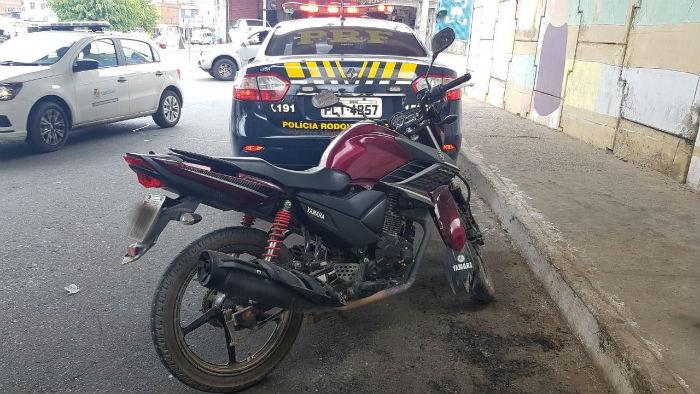 CRV pertencia a lote roubado em Pernambuco. Foto: Polícia Rodoviária Federal.