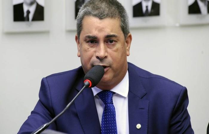 Deputado Coronel Tadeu durante sessão na Câmara Foto: Gilmar Felix / Agência Câmara