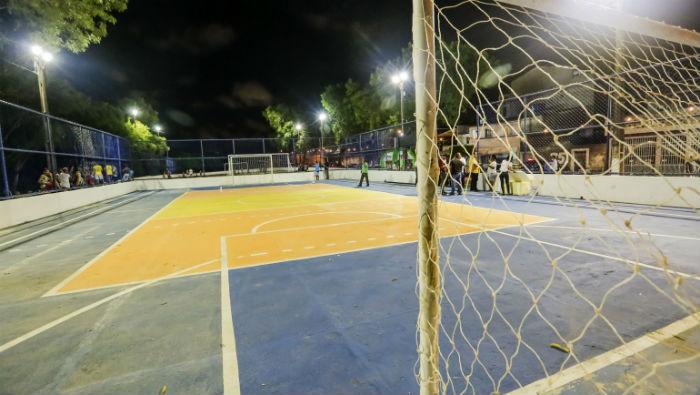 A Imbiribeira recebeu os novos campo e quadra do São Cristóvão. Foto: Andréa Rêgo Barros/PCR/Divulgação.