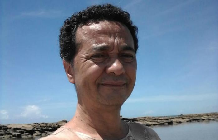 Luciano Lourenço de Lima, 54, trabalha na Câmara dos Deputados de Pernambuco e no Sindicato dos Técnicos de Enfermagem. Foto: Cortesia