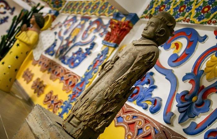 O espaço guarda a primeira escultura feita do Padre Cícero, bastante venerado pelos sertanejos nordestinos. Foto: Chico Andrade/SeturPE