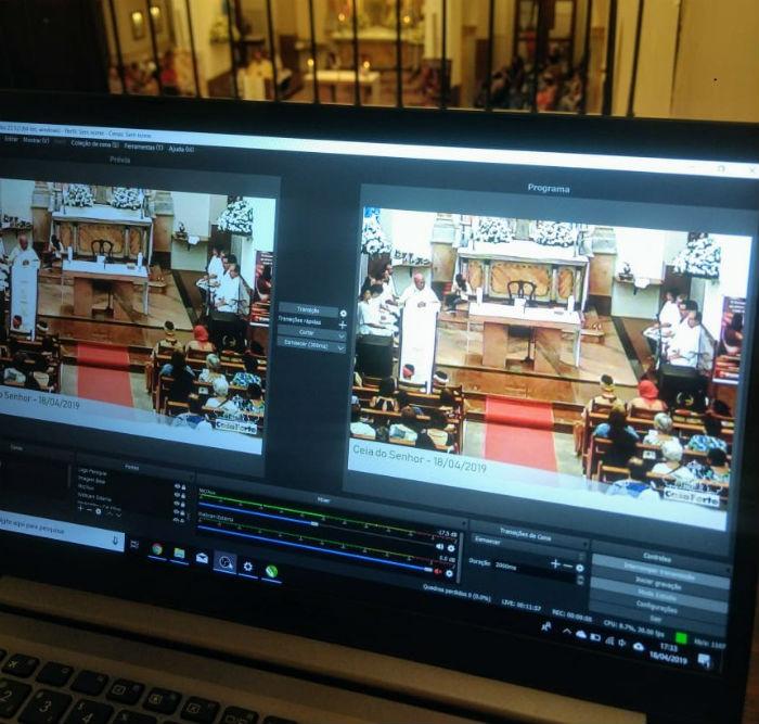 Missas da Paróquia de Casa Forte são transmitidas ao vivo pelo Facebook. Foto: Levi Júnior/Divulgação.