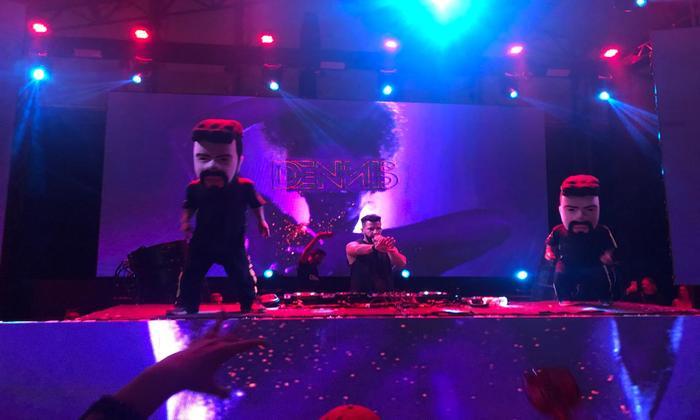 Um dos principais nomes do cenário funk, o produtor Dennis DJ homenageou o funkeiro MC Sapão. Foto: Mabson Rodrigues/Esp.DP
