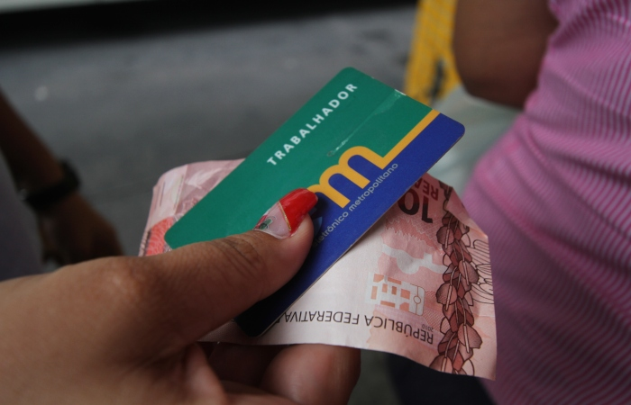 Para a sociedade civil, validade dos créditos do VEM representa confisco da verba dos usuários. Foto: Nando Chiappetta/DP.