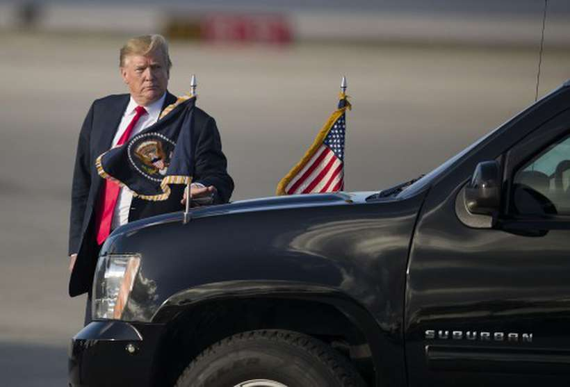 """""""Eles não me tratam bem por eu ser republicano"""", disse Trump sobre a rede social. Foto: Joe Readle/AFP"""