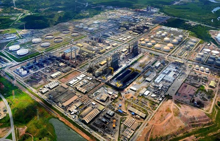 Resultado de imagem para refinaria rnest pernambuco