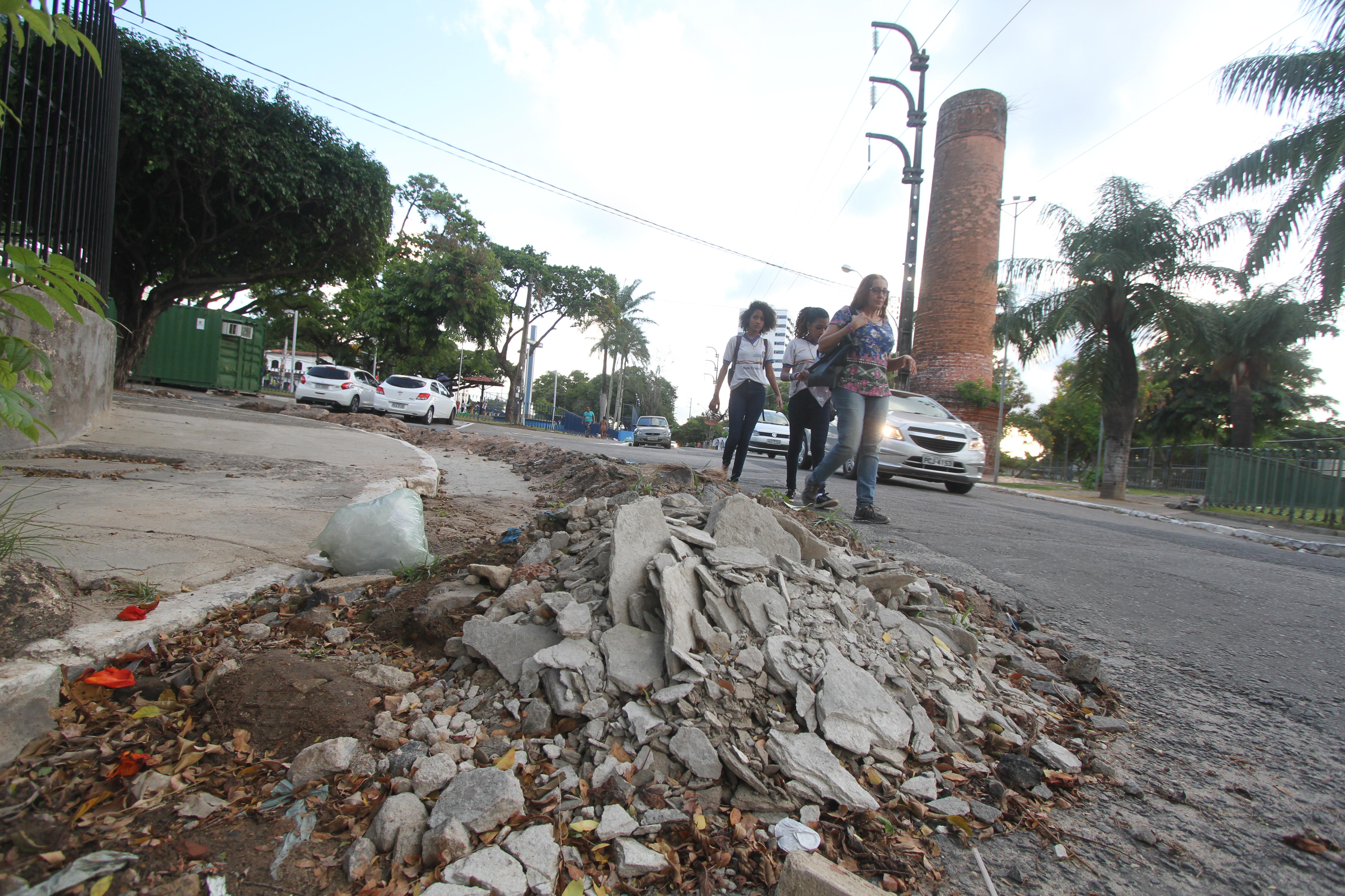 Investimento vai priorizar obras de acessibilidade para os pedestres em vias e calçadas. Crédito: Nando Chiappetta/DP
