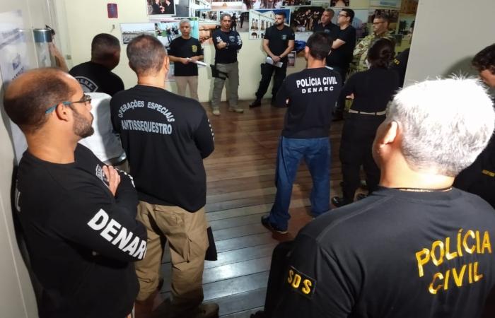 Operação Estação Final pretende prender ao menos 11 suspeitos. Foto: Divulgação/PCPE. (Operação Estação Final pretende prender ao menos 11 suspeitos. Foto: Divulgação/PCPE.)