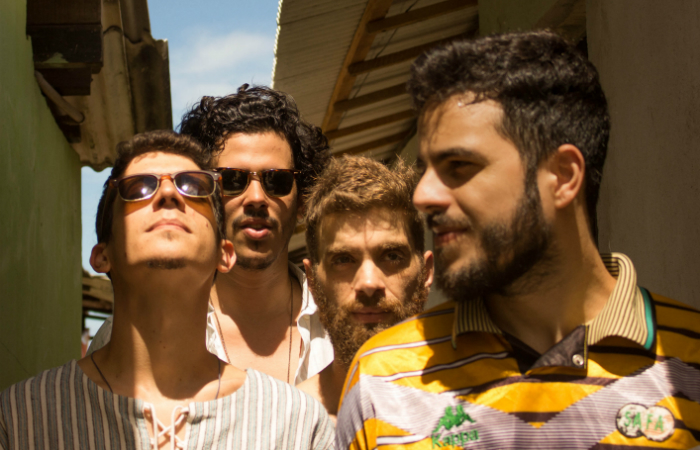 Vítor Pequeno, Bruno Negromonte, Mário Zappa e Rafa Lira formam a banda. Foto: Rafael Cavalcanti/Divulgação