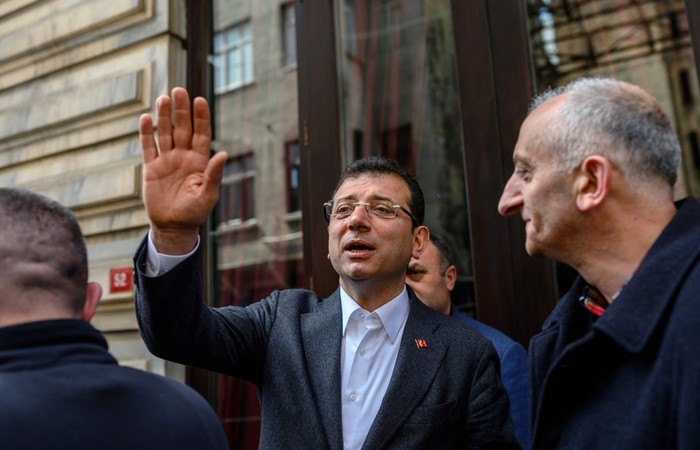Ekrem Imamoglu foi eleito prefeito. Foto: Bulent Kilic/AFP (Foto: Bulent Kilic/AFP)