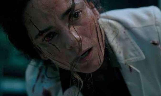 Alice Braga da vida a Cecilia Reyes, uma espécie de mentora do grupo dos jovens mutantes. Foto: Twentieth Century Fox/Divulgação