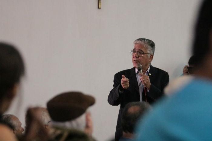 O reitor da UFPE, Anísio Brasileiro, falou sobre a importância da mobilização social para reverter a situação. Foto: Tarciso Augusto/Esp.DP.