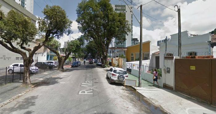 Intervenção da CTTU torna mão única as ruas Marquês do Paraná (foto) e Alfredo de Medeiros. Foto: Google Street View/Reprodução.