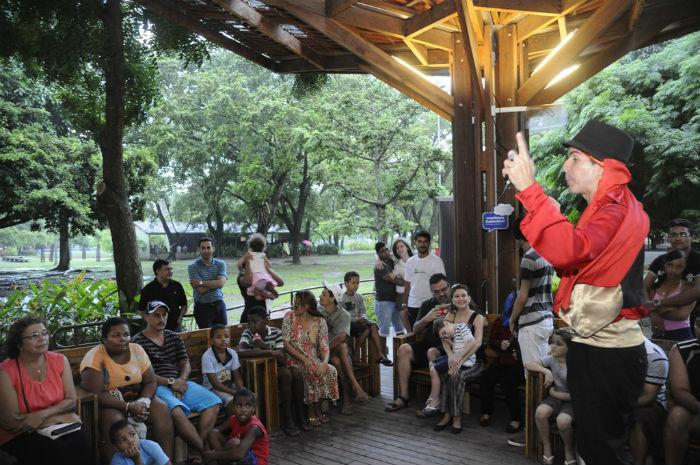 Quem visitar o Econúcleo Jaqueira neste sábado (11) poderá participar da oficina de caqueiras. Foto: Irandi Souza/Divulgação.