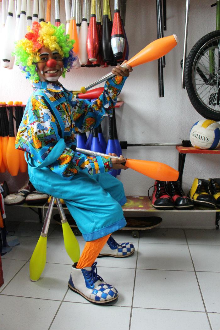 O palhaço Formiguinha estreou nos picadeiro em 2018 e quer ter um circo para chamar de seu. Foto: Patrícia Monteiro /Diario de Pernambuco