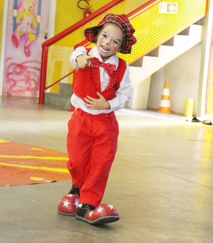 Flayzinho tem apenas 5 anos de idade, mas já conquista o público com memória e desenvoltura. Foto: Patrícia Monteiro / Diario de Pernambuco