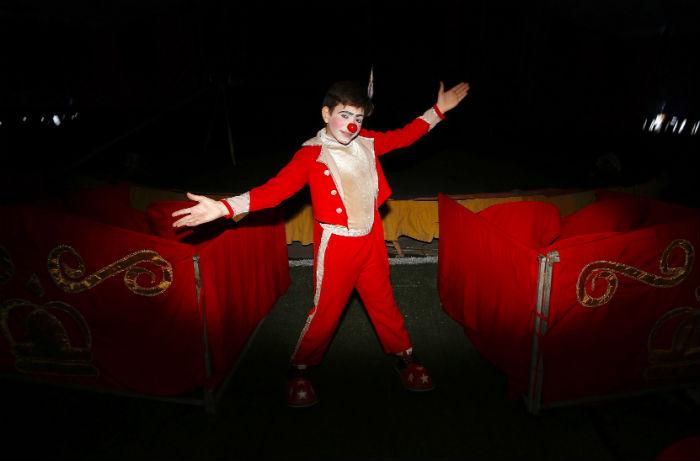 Reyzinho tem 11 anos e diz querer ficar para sempre atuando no Circo. Foto: Bruna Costa / Esp.DP