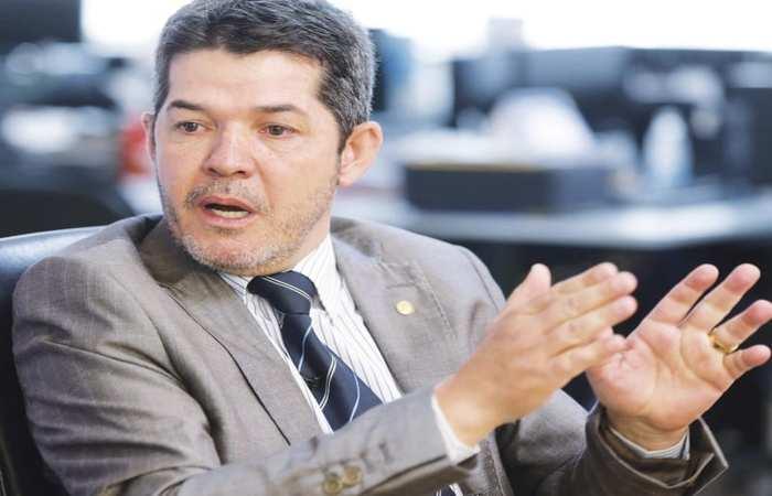Delegado Waldir é líder do partido PSL. Foto: Reprodução (Foto: Reprodução)