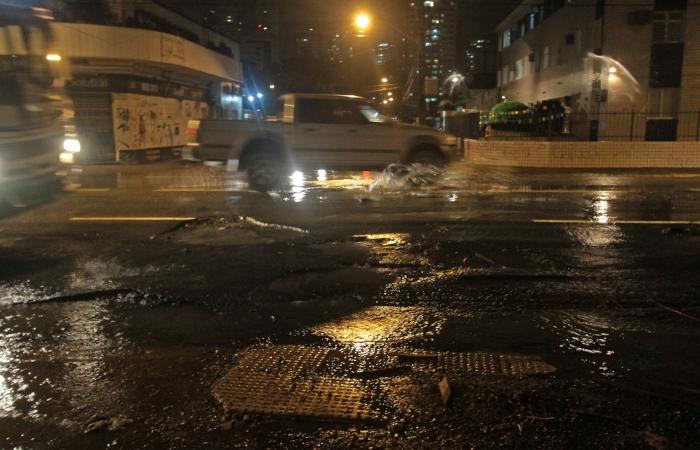 Na imagem, a Avenida Beberibe, no Porto da Madeira. Foto: Roberto Ramos/Arquivo DP. (Na imagem, a Avenida Beberibe, no Porto da Madeira. Foto: Roberto Ramos/Arquivo DP.)