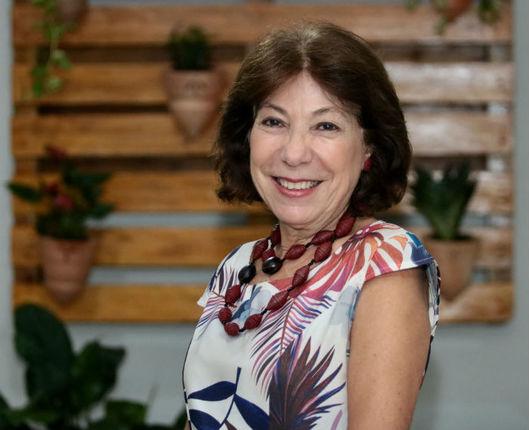 Professora da UFPE, Alina Galvão fala da importância da atualização dos professores. Crédito: Arquivo Pessoal