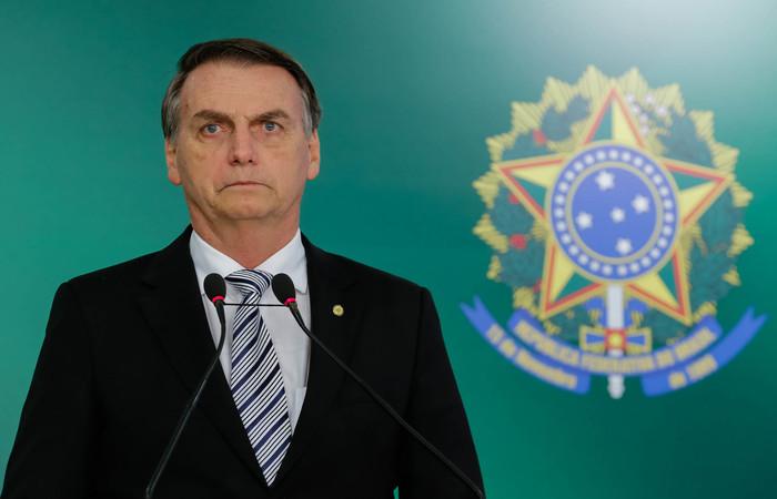 Presidente Jair Bolsonaro (PSL) não quis explicar o que quis dizer com a distribuição de mensagem em grupos de WhatsApp (Foto: Arquivo/Agência Brasil) (Presidente Jair Bolsonaro (PSL) não quis explicar o que quis dizer com a distribuição de mensagem em grupos de WhatsApp (Foto: Arquivo/Agência Brasil))