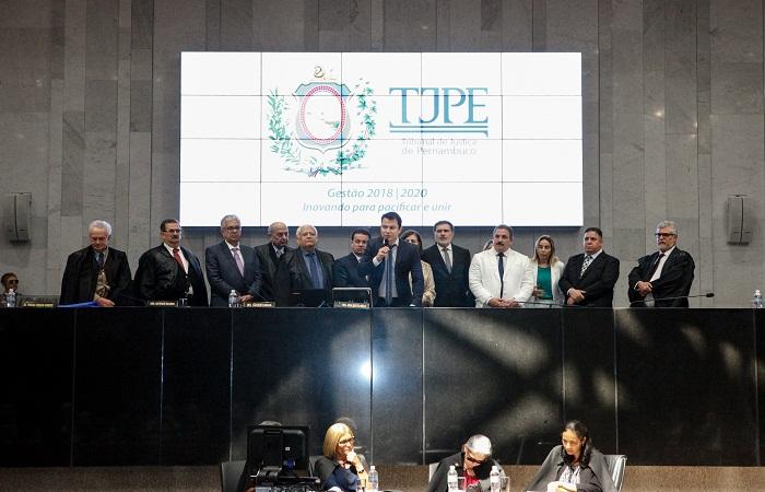 Convênio, assinado no Tribunal de Justiça de Pernambuco, prevê inicialmente 10 vagas. Foto: Evane Manço/Alepe/Divulgação