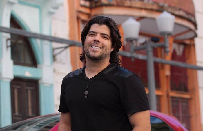 Yegor, vocalista da Capin Cubano, atualmente mora nos EUA. Foto: Tarciso Augusto/Esp.DP FOTO