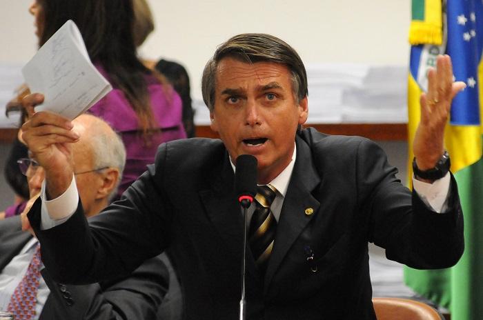 """Na semana passada, Jair Bolsonaro endossou um texto que afirma que """"o Brasil, fora desses conchavos, é ingovernável"""". Crédito: Edílson Rodrigues/ENCDF/D.A Press"""