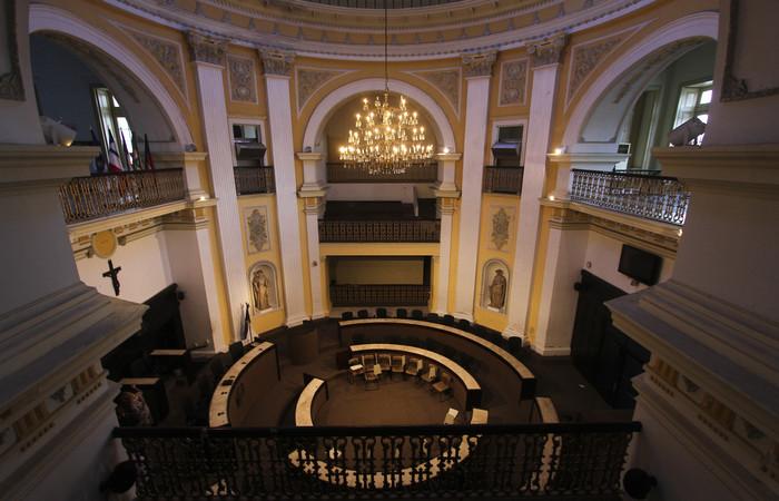 Antigo plenário da Assembleia deixou de ser utilizado há cerca de dois anos. Foto: Bruna Costa/Esp DP FOTO