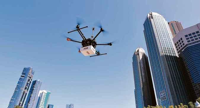 Drone da ABB que tem sensor para captar vazamentos de gás, reduzindo os riscos de acidentes. Foto: ABB/Divulgação
