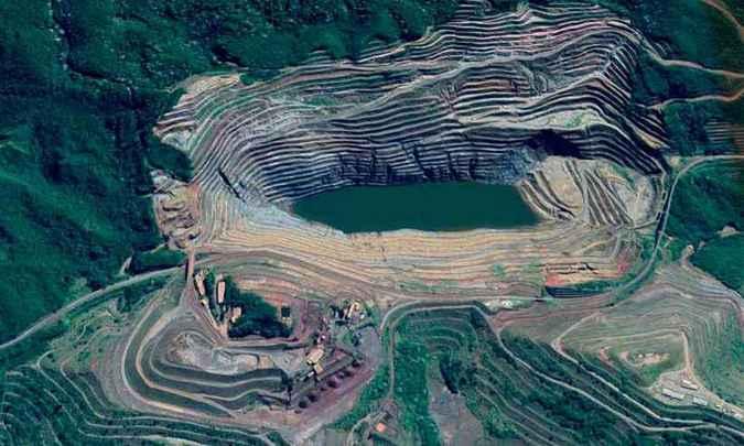 Autoridades continuam monitorando estrutura que pode desmoronar para dentro da cava da Mina Gongo Soco, da Vale, nos próximos dias. Foto: Divulgação/TJM