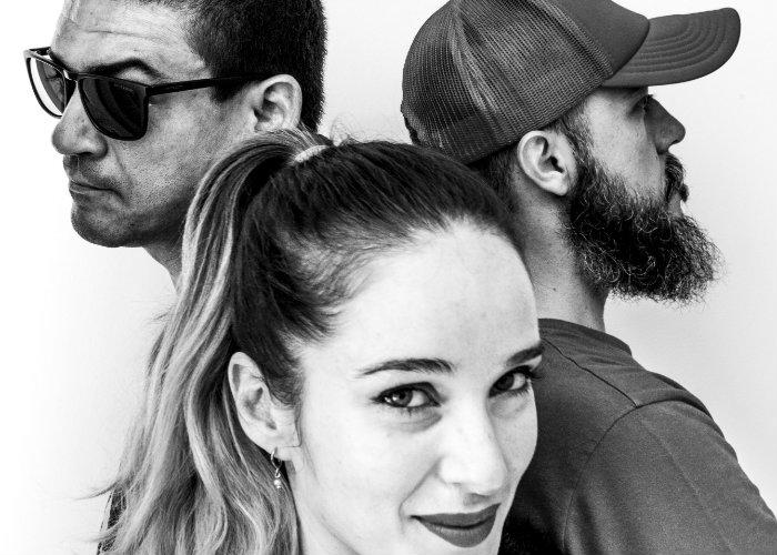 Kira Aderne, Tárcio Luna e Bruno Kiss apostam numa sonoridade de rock alternativo. Foto: David Nat/Divulgação